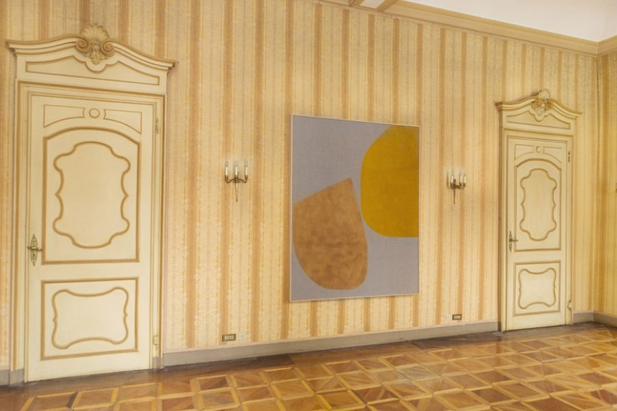 Magda Skupinska, Untitled, 2016, chilli paste and turmeric on canvas, 160 x 180 cm© Magda Skupinska, image courtesy of Maximillian William